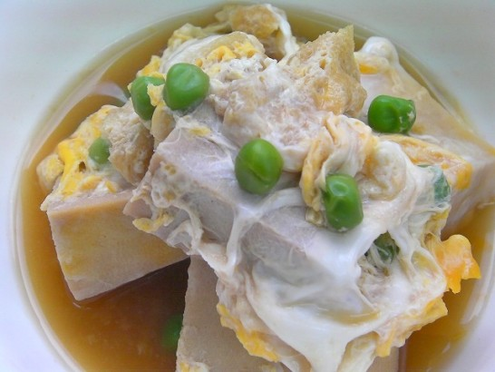Egg drop with freeze dried tofu and green peas (3)